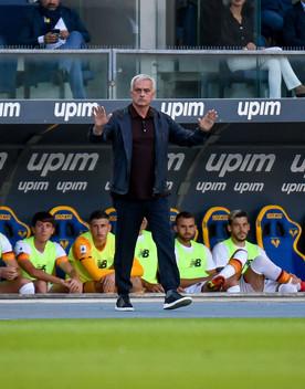 La Roma cade a Verona. La Lazio soffre, poi trova il pareggio