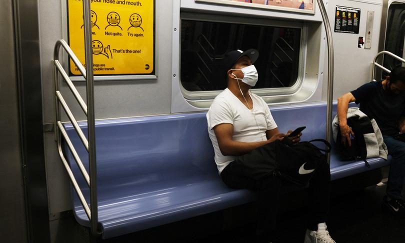 multe 50 dollari chi viaggia senza mascherinamezzi pubblici