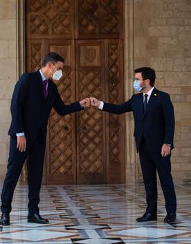 Il caso Puigdemont non intacca l'intesa tra Sanchez e Aragones