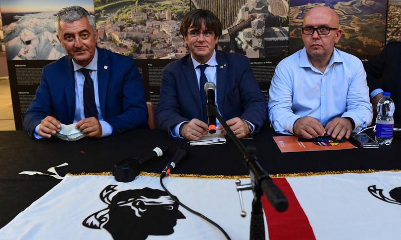 puigdemont annuncia lunedi torno in belgio