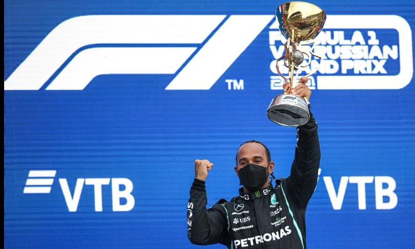 Hamilton trionfa in Russia centesima vittoria Sainz terzo