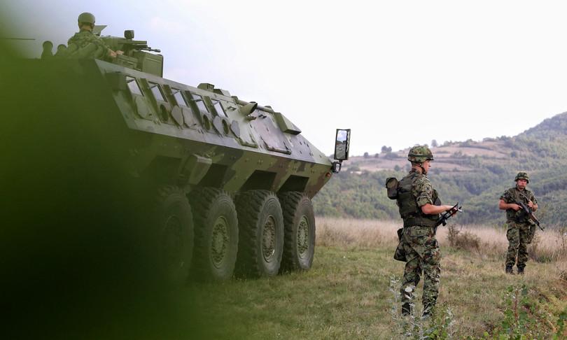 Kosovo tensioni Serbia Nato intensifica pattugliamenti