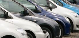 La crisi dei chip affossa il mercato dell'auto