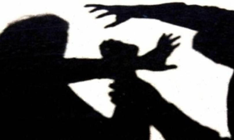 violenza sessuale su diciottenne trapani