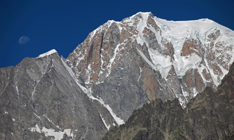 tre alpinisti bloccati su Monte Bianco