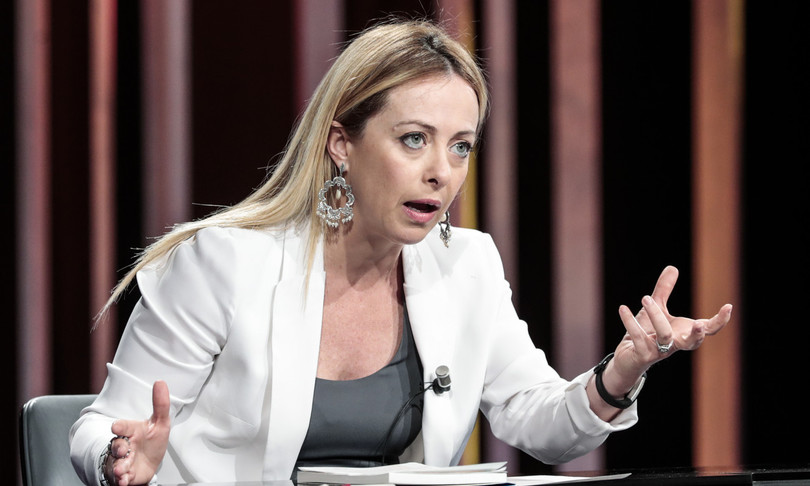 """Giorgia Meloni launches the counterattack with a video, """"no to the lynching of an entire party"""""""