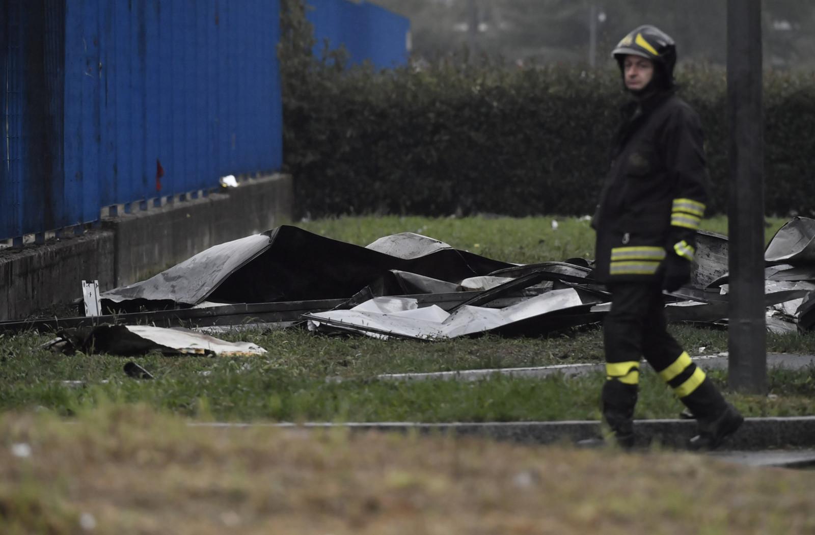 Il luogo in cui si è schiantato l'aereo tra San Donato e Milano
