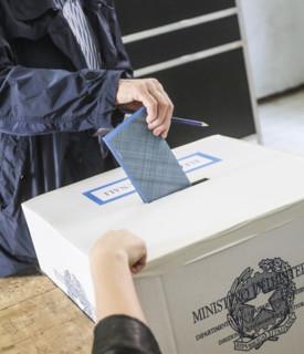 Comunali, seggi di nuovo aperti, si vota fino alle 15. Affluenza al 41,65%