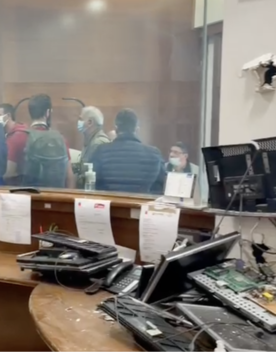 Le immagini della sede della Cgil devastata dopo l'assalto dei 'no green pass'