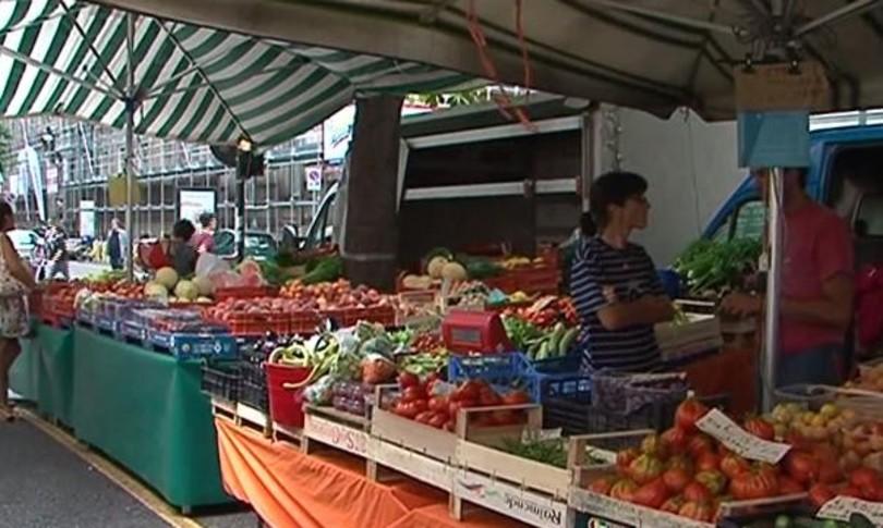 Francia frutta e verdura in vendita senza plastica dal 2022