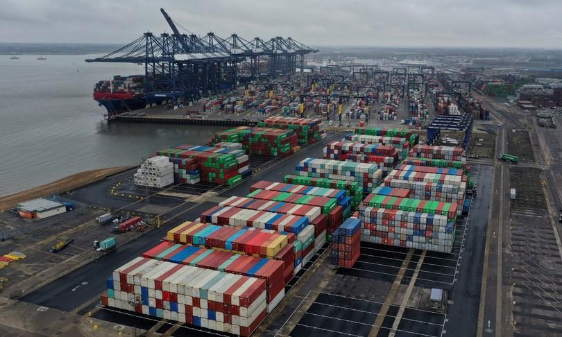 spettro crisi inglese porti italiani