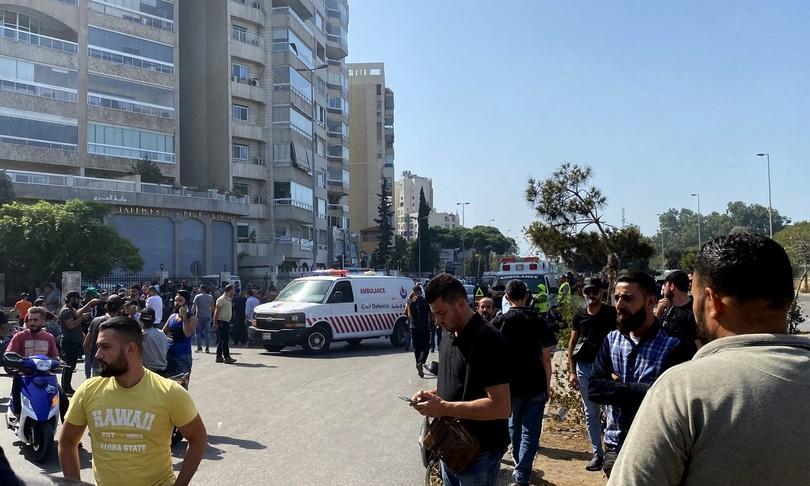 libano beirut spari sulla folla