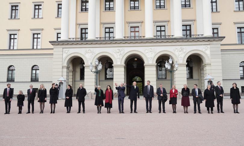 norvegia nuovo governo anche due sopravvisuti strage utoya