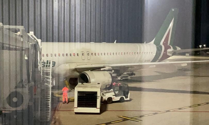 ultimo volo alitalia cagliari roma diretta