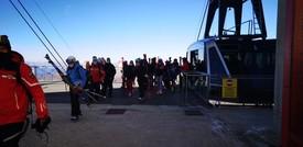 A Cervinia è iniziata la stagione dello sci, green pass alla mano