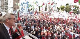La manifestazione dei sindacati a Roma contro i fascismi