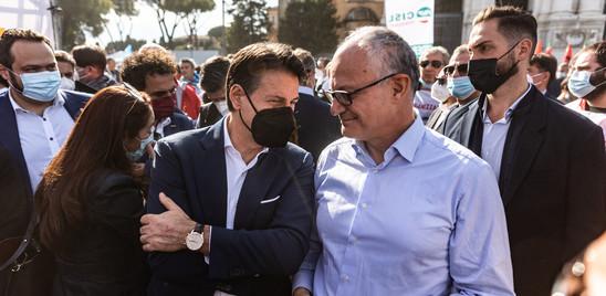 Letta, Conte e ministri in piazza con sindacati