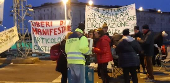 Oggi si sgombera il presidio dei no-green pass al porto di Trieste