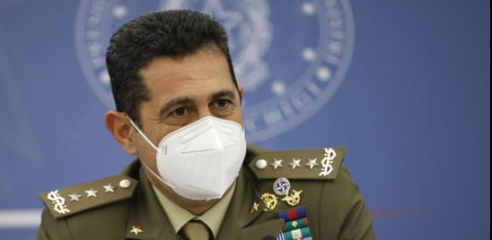 Il generale Figliuolo sprona le Regioni a far decollare la campagna sulla terza dose