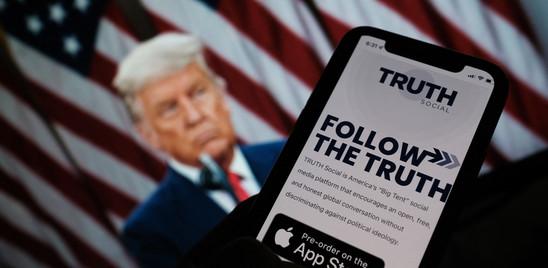 """Trump lancia Truth Social: """"Per oppormi alla tirannia delle Big Tech"""""""