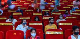 A Mumbai dopo 18 mesi riaprono i cinema e i teatri