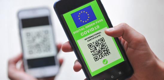 Il Green pass rischia di non essere valido, sul web circola il certificato di Hitler