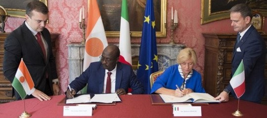 Migrants: Italy and Niger sign Defense Cooperation agreement
