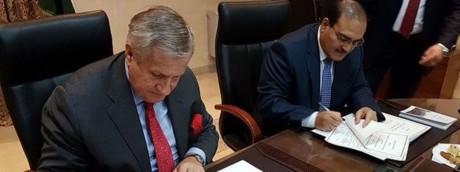 Ambasciatore ad Amman Giovanni Brauzzi e ministro giordano Adel Tweissi